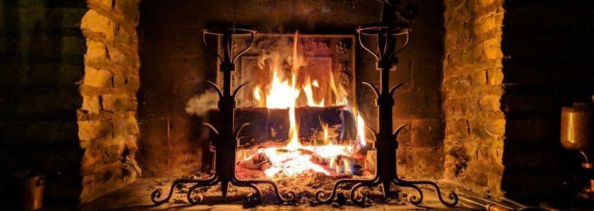 Équipement pour feux de cheminée